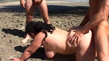 Outdoor big assed mom casting