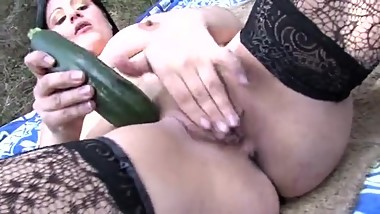 After shopping mom gets a vegeble in her pussy