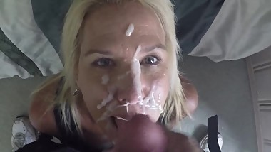 Mom does a handjob not to her son and cum on her face