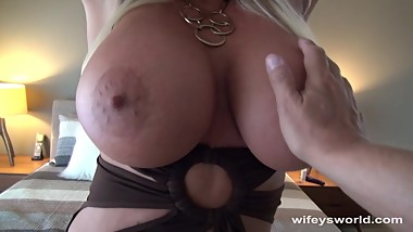 She Fills Her Mouth With Cum
