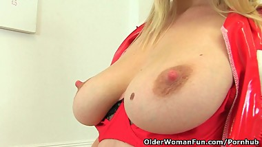 UK milf Abi Toyne needs sexual relief
