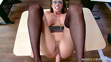 Brazzers - Ariella Ferrera Sucks Students cock