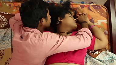 Hot Bhabhi picks up young guy to fulfil her Desires
