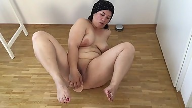 Exposed masturbation 50 years old mom Gina