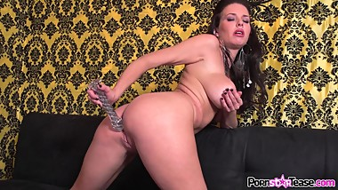 Spizoo - Sexy MILF Veronica Avluv is know for her squirting vulva