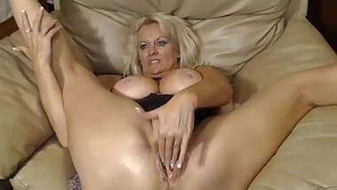 Nasty old slut is horny