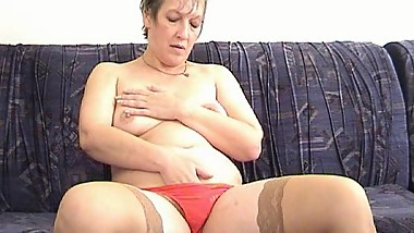 Mature Women Play With Toys. Russian mature 92 (BlissMature.com)
