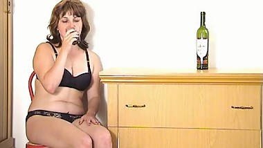 Mature Women Play With Toys. Russian mature 94 (BlissMature.com)