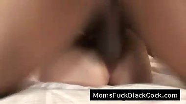 Living mom with natural tits needs black dick to stay happy