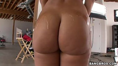 Lisa Ann oiled ass hd