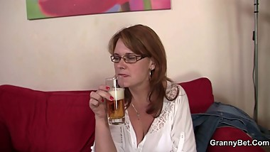 Mom gets her snatch drilled