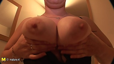 Big breasted mature slut mom sucking young cock